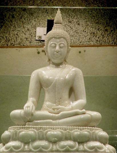 Buddha Statue 450