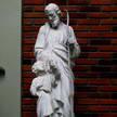 Statue 241